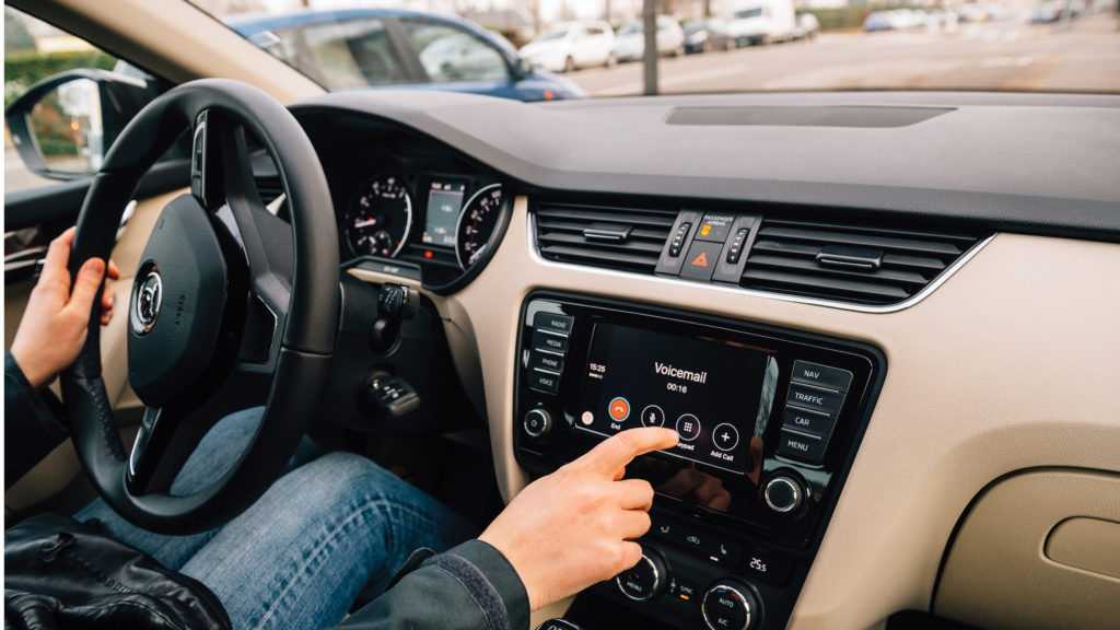 How Dashboards Contribute to Distracted Driving - AMA