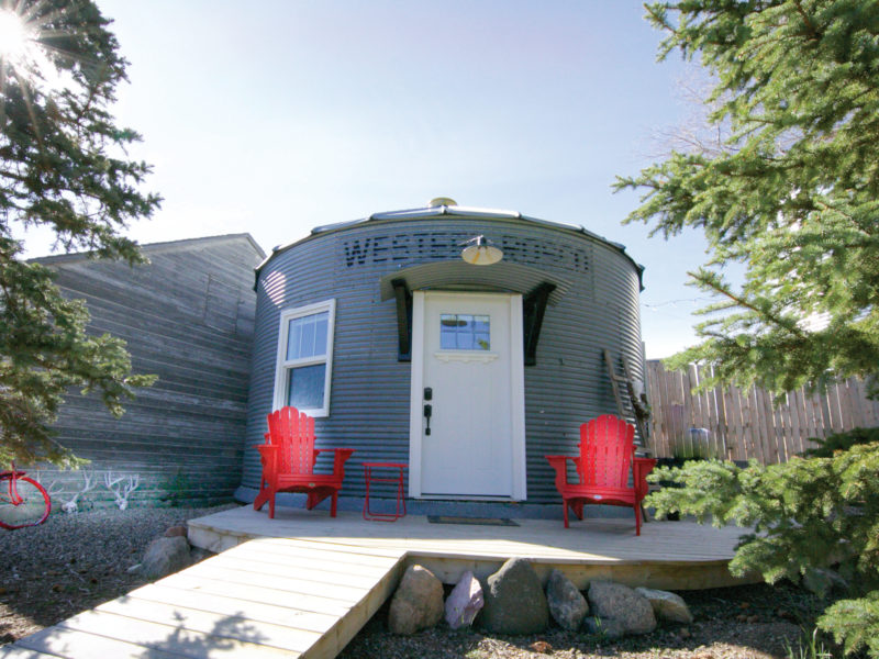 Hot Tips for Outdoor Fun and Unique Stays on a Saskatchewan Road Trip